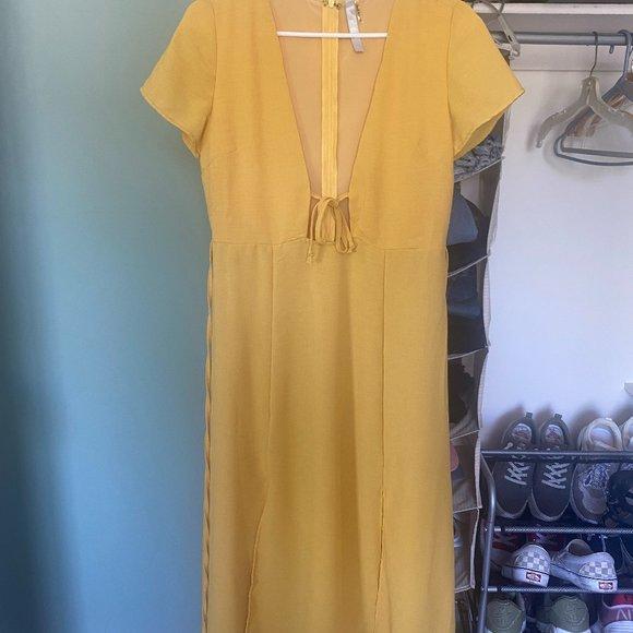Vici Collection Midi Dress Yellow Size Medium